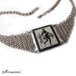 collier Satiro con lancia 1